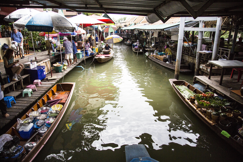 タリンチャン水上マーケットはバンコクから近いので時間がない旅行者にお勧め!